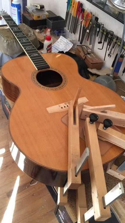 guitar-top-crack-fix-clamps