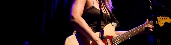 WASHINGTON - AUGUST 28: Singer/songwriter Liz Phair performs her album ''Exile in Guyville'' at the 9:30 Club on August 28, 2008 in Washington, DC.  (Photo by Brendan Hoffman/Getty Images)